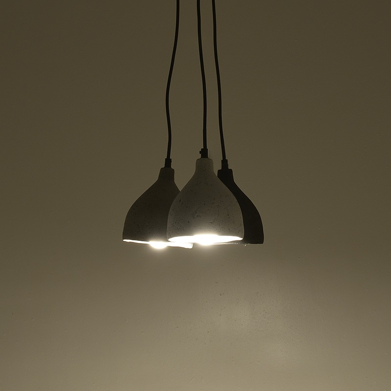 Tρίφωτο φωτιστικό από τσιμέντο σε γκρι-λευκό-μαύρο χρώμα Φ27x80