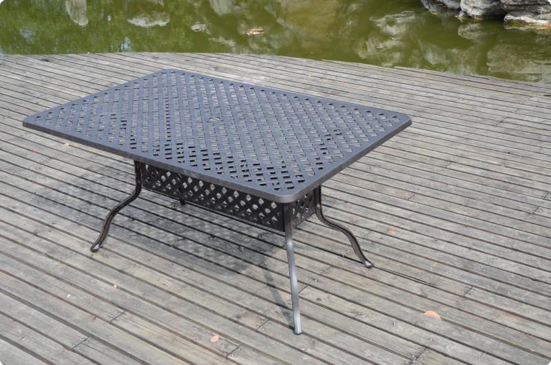 """Τραπέζι ορθογώνιο """"LOUISA"""" από χυτό αλουμίνιο σε χρώμα μπρονζε 152x98x74"""