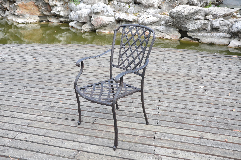 """Πολυθρόνα """"LOUISA"""" απο χυτό αλουμίνιο σε χρώμα μπρονζε 47x48x93"""